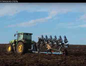 ukrainian-activists-stopping-the-destruction-of-the-tarutinskij-steppe-momentarily