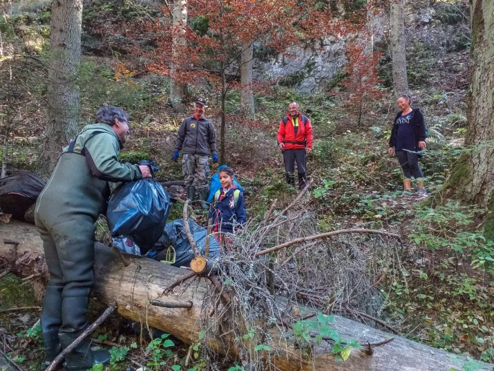 CEW Cleaning up Slovenysky Raj-30357.jpg - European Wilderness Society - CC NonCommercial-NoDerivates 4.0 International