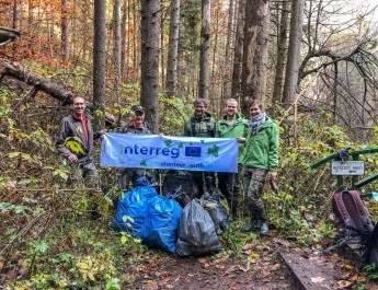 CEW Cleaning up Slovenysky Raj-30360.jpg - European Wilderness Society - CC NonCommercial-NoDerivates 4.0 International