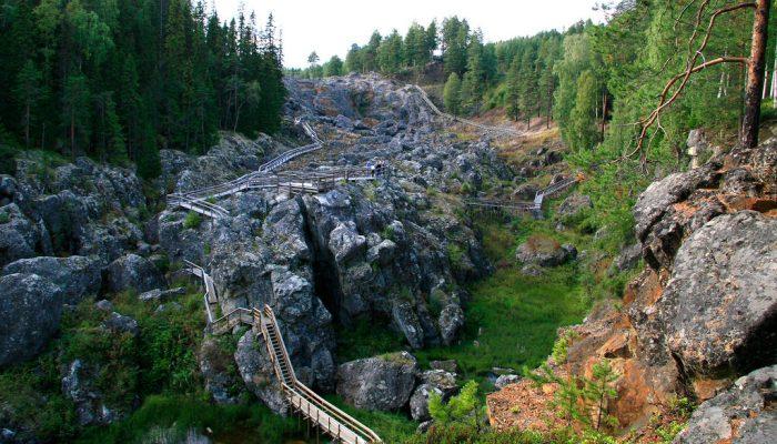 hiking our National Park Döda Fallet