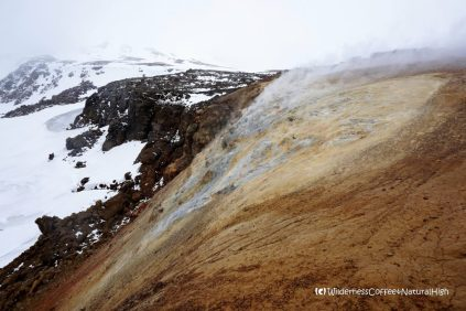Snorrahver fumarole and Mount Mænir, Hveradalir, Kerlingarfjöll, Kjölur road, Iceland