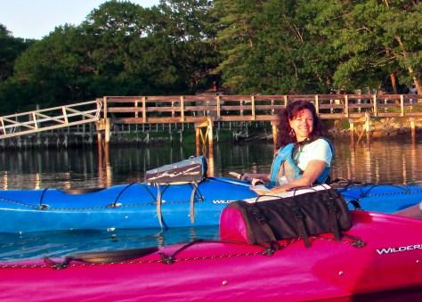 wilderness-girls-kayaking