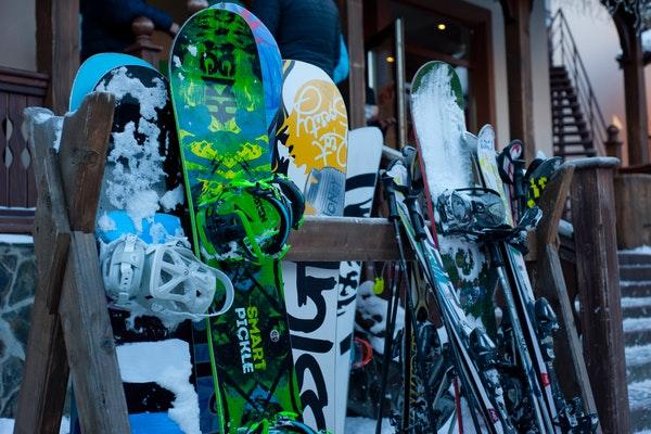 equipment-ice-ski-snow