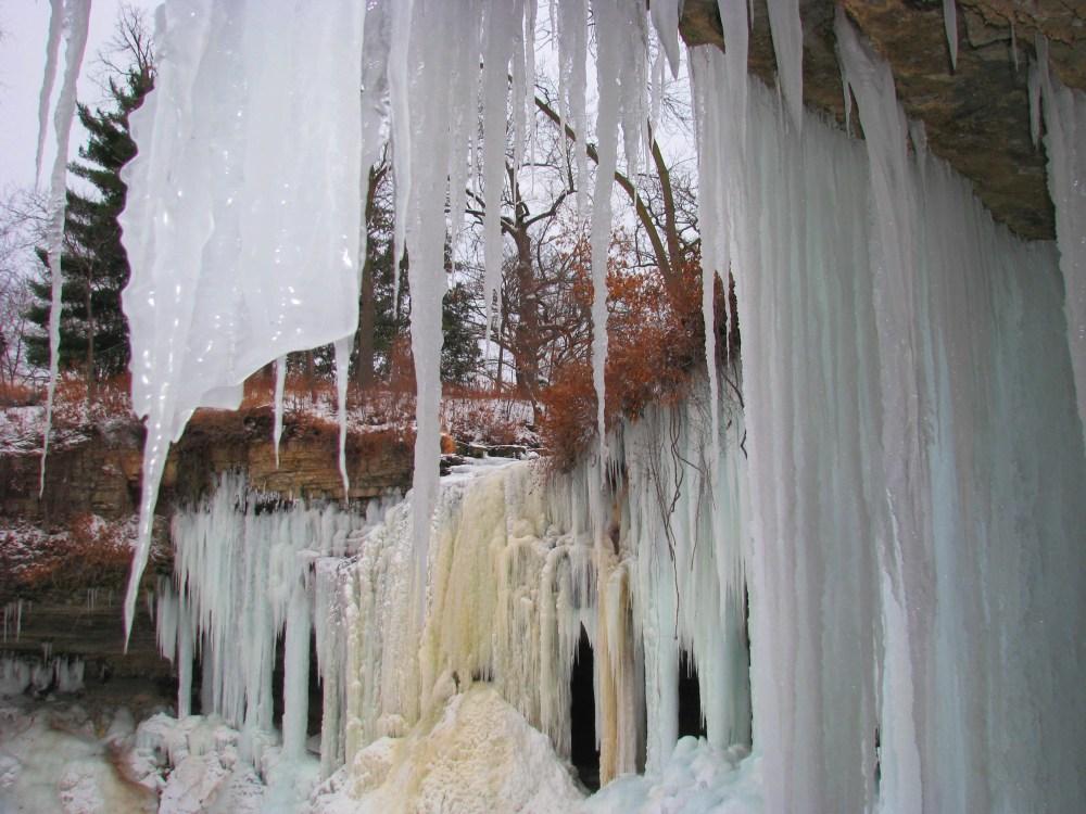 Minnehaha Falls In Winter (5/6)