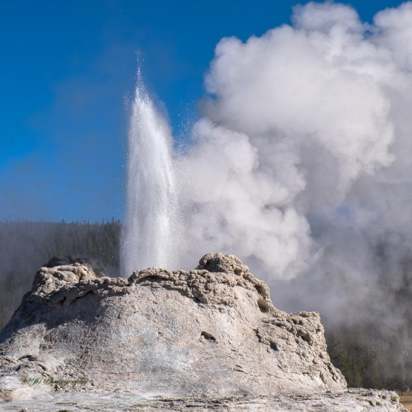 castle-geyser-9253