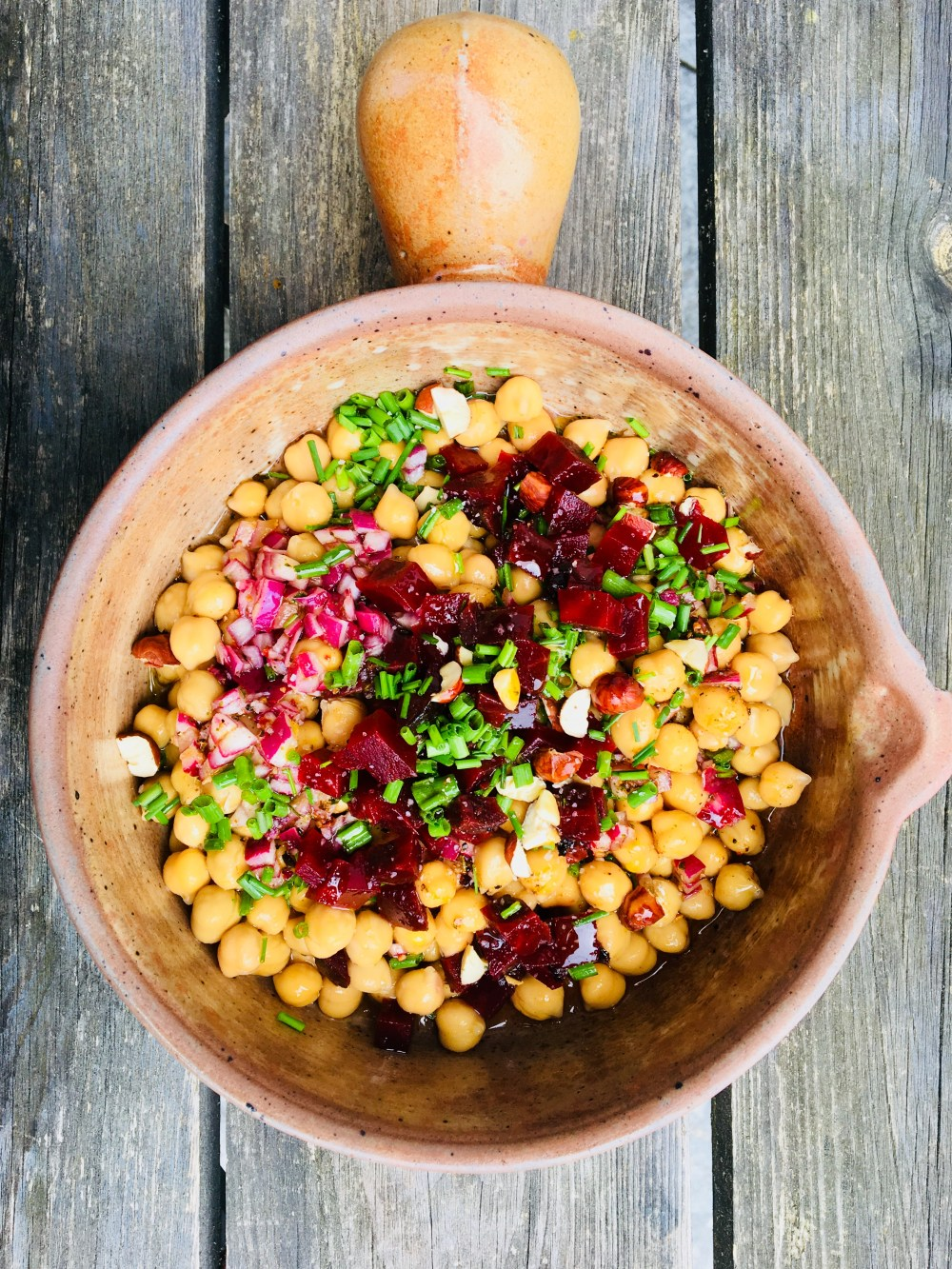 Kichererbsensalat mit Rote Beete und Honigdressing