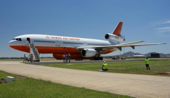 AT-911_parked DC-10 air tanker