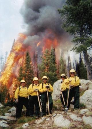 Apache 8 fire crew