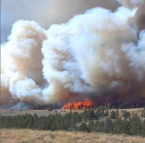 Fire near Casper burns structures and 15,000 acres