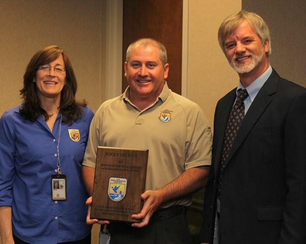 Rocky Chesser, receives award