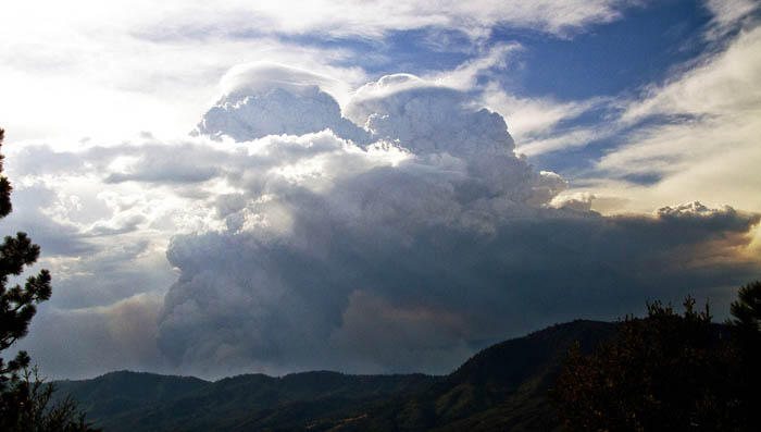 beaver fire convection column