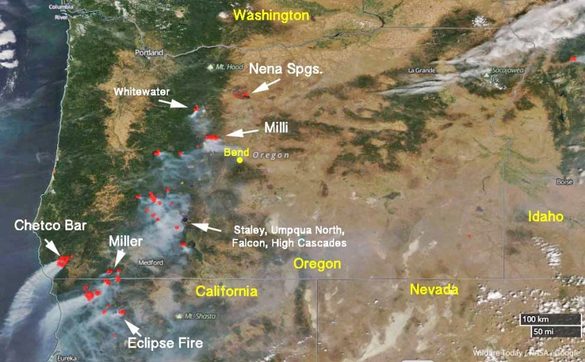 Satellite photo wildfires in Oregon Northwest California