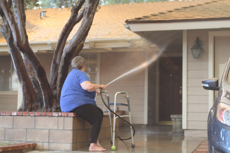 firefighters assist disabled woman Tick Fire California