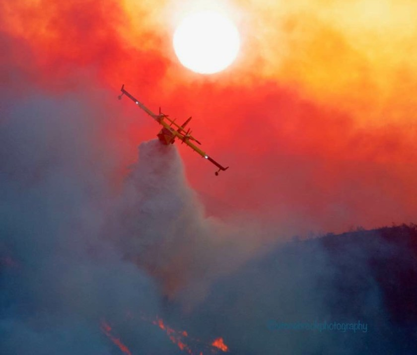 CL-415 super scooper air tanker drops water Woolsey Fire