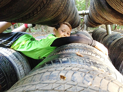 Kids on Tyre Mangle