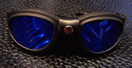 Mid size frame goggles w/plate lenses