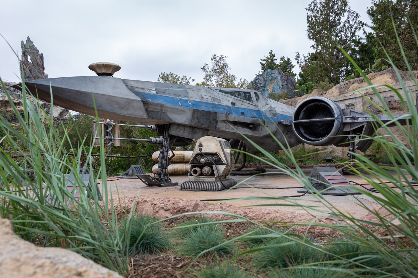 The outter rim in Batuu inside Star Wars Land at Disneyland. Galaxy's Edge at Disneyland