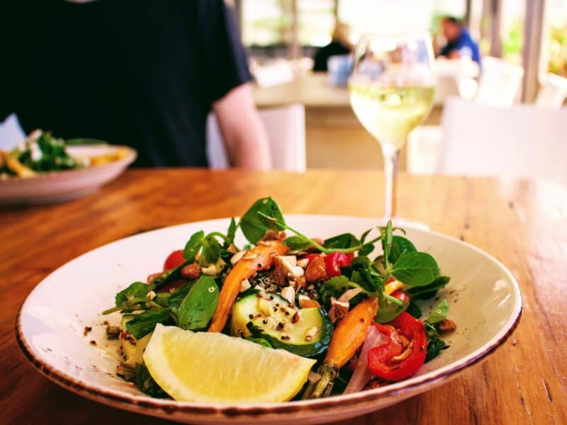 Lunch by the sea - Wildlife, Waterfalls & Wine day tour from Sydney