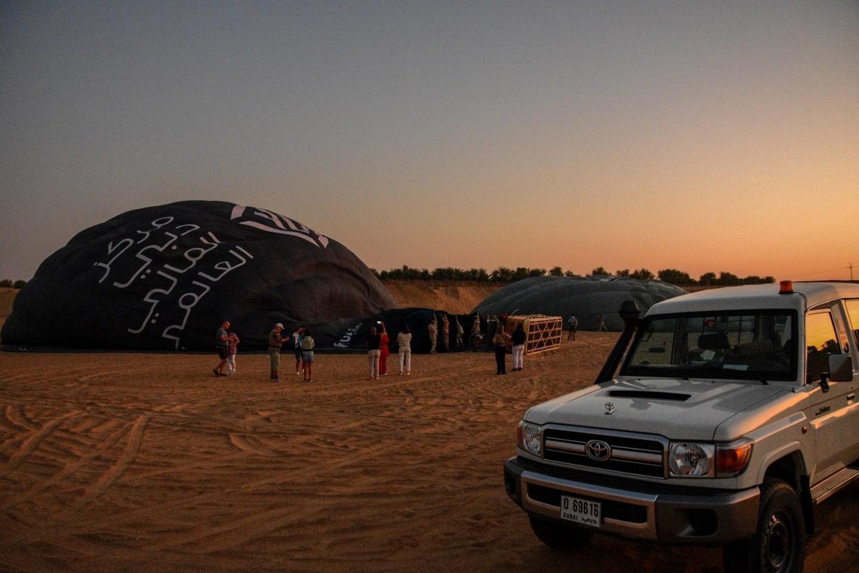 Hot Air Balloon Dubai Desert sunrise
