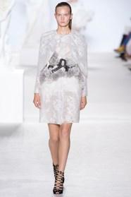 giambattista-valli-fall-2013-couture-05_180548810769