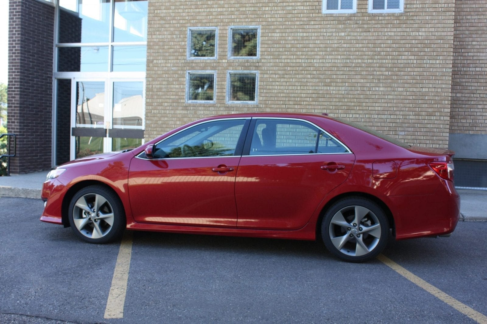 Camrys Start At CDN $23,700 U2013 This Mid Line SE Trim With The Premium Option  Package Rings In At CDN $33,785, Everything In. You Can Step Up To A Loaded  XLE ...