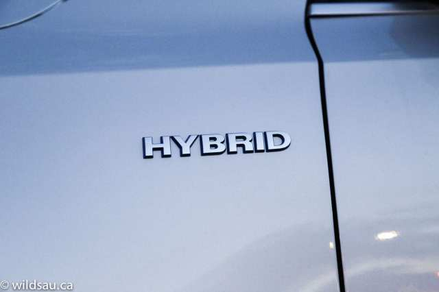 hybrid cowl badge
