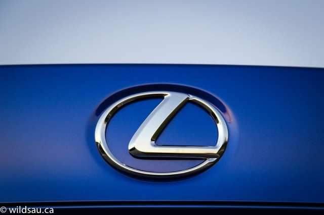 lexus badge