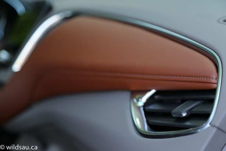dash stitching detail