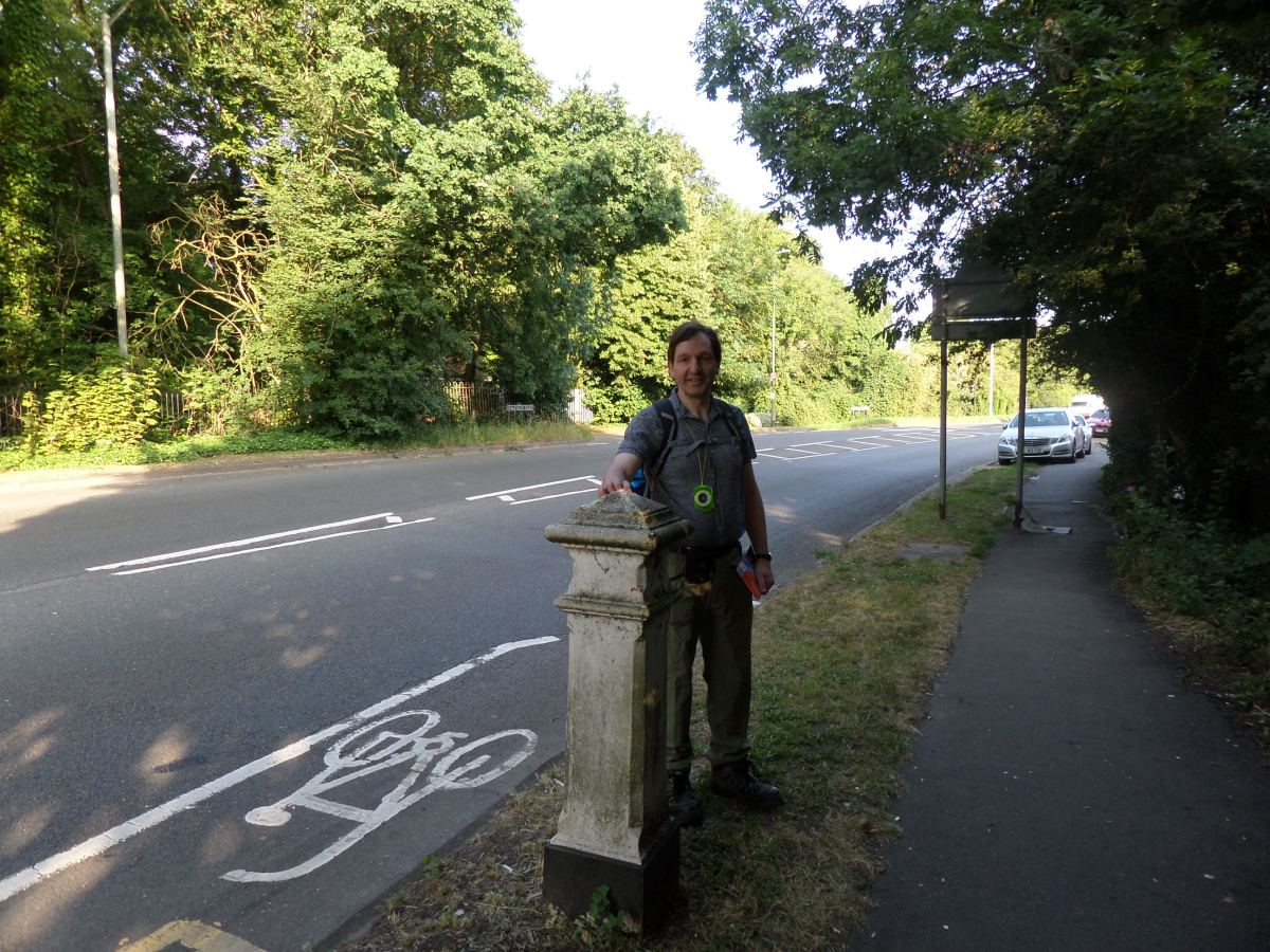 Buckinghamshire Way 1.1: Start at Hythe End
