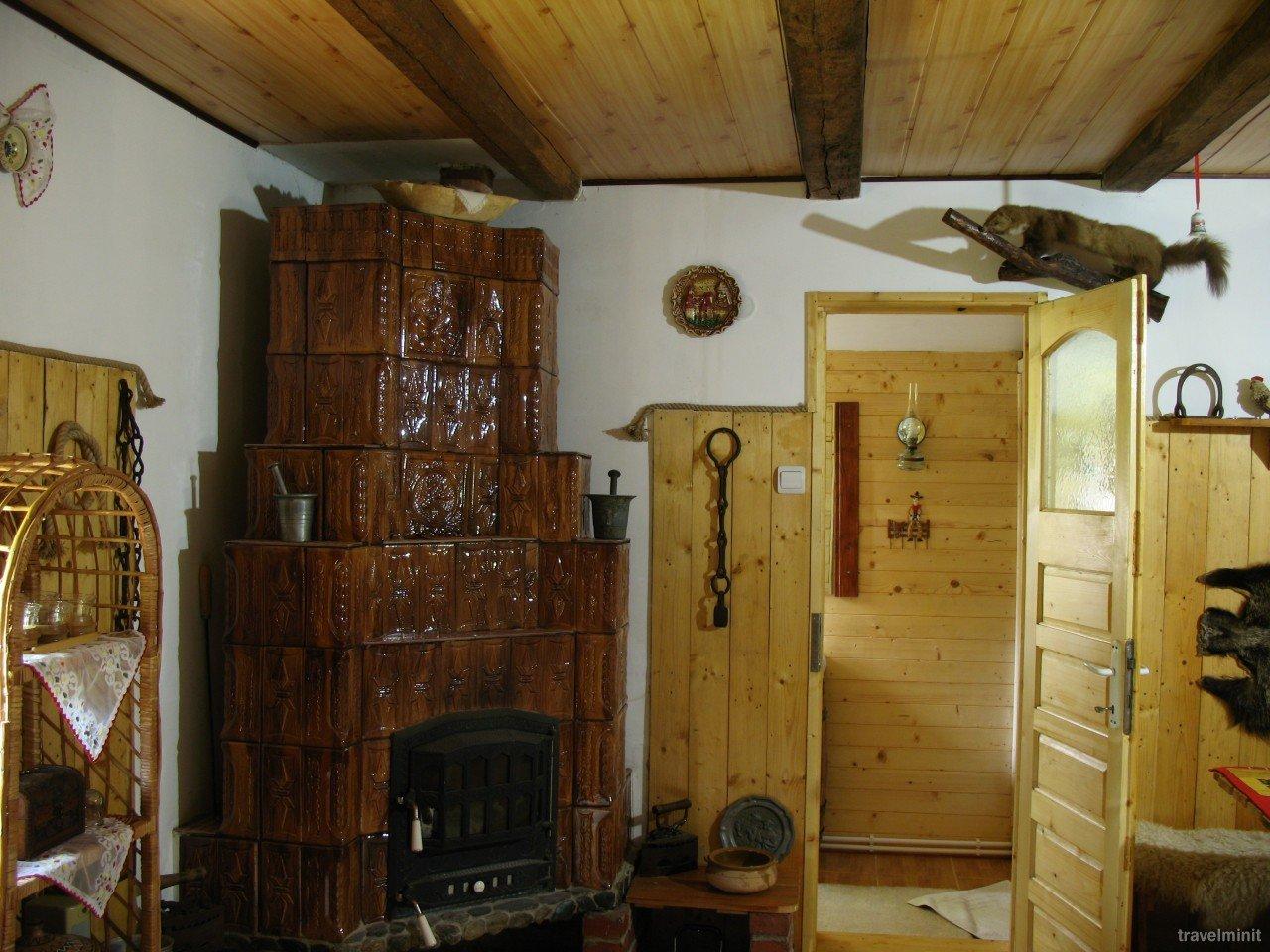 Casa Rustic Oltenia Rezerv o cas tradiional cu piscin lng Govora