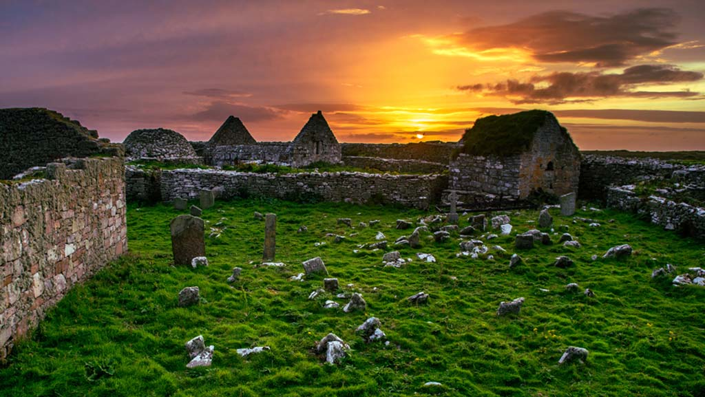 Inismurray Buildings | © Kristof Moscicki | Wild West Sailing | RYA Day Skipper Course Ireland
