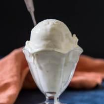 Lactose-free-vanilla-bean-ice-cream-3