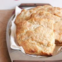 Apple Pie Scones | wildwildwhisk.com