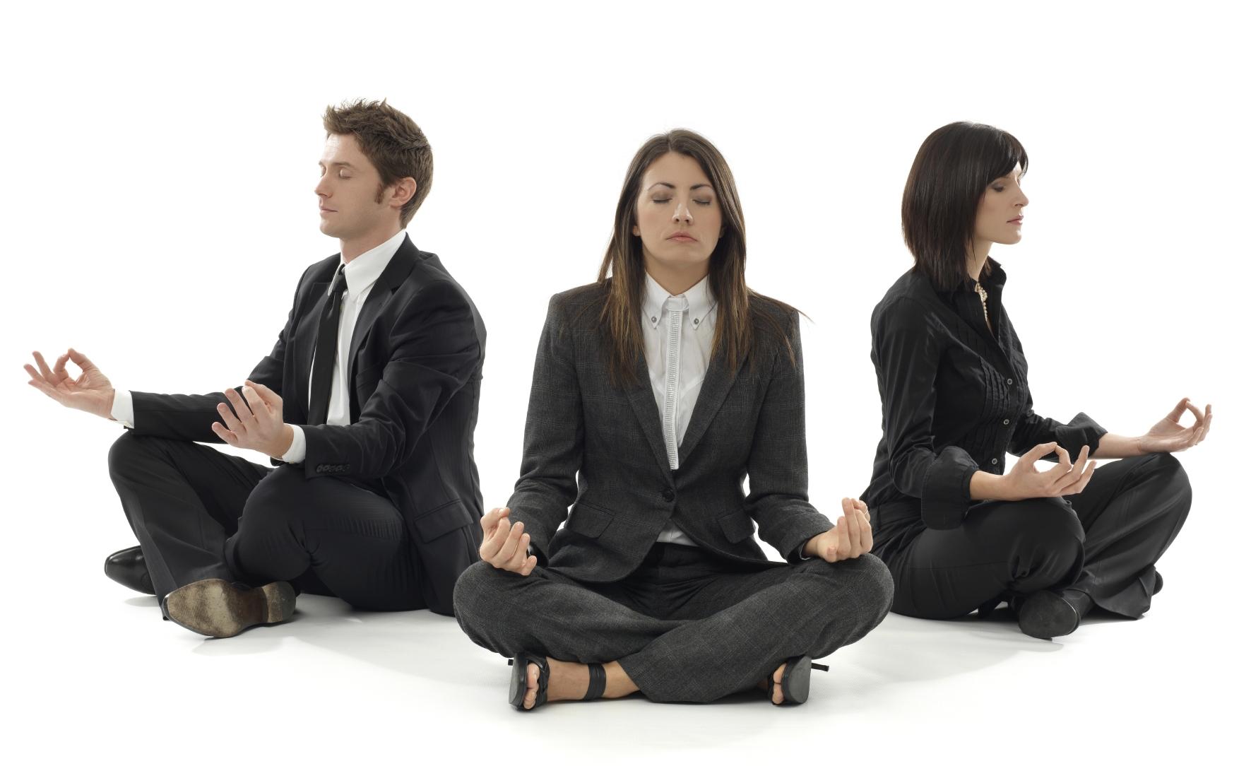 ¿Por qué mas empresas tienen a sus empleados meditando?