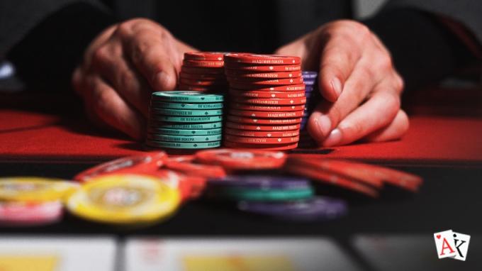 Я зарабатываю онлайн покером играть в косынку пасьянс в 3 карты играть бесплатно в онлайн без регистрации