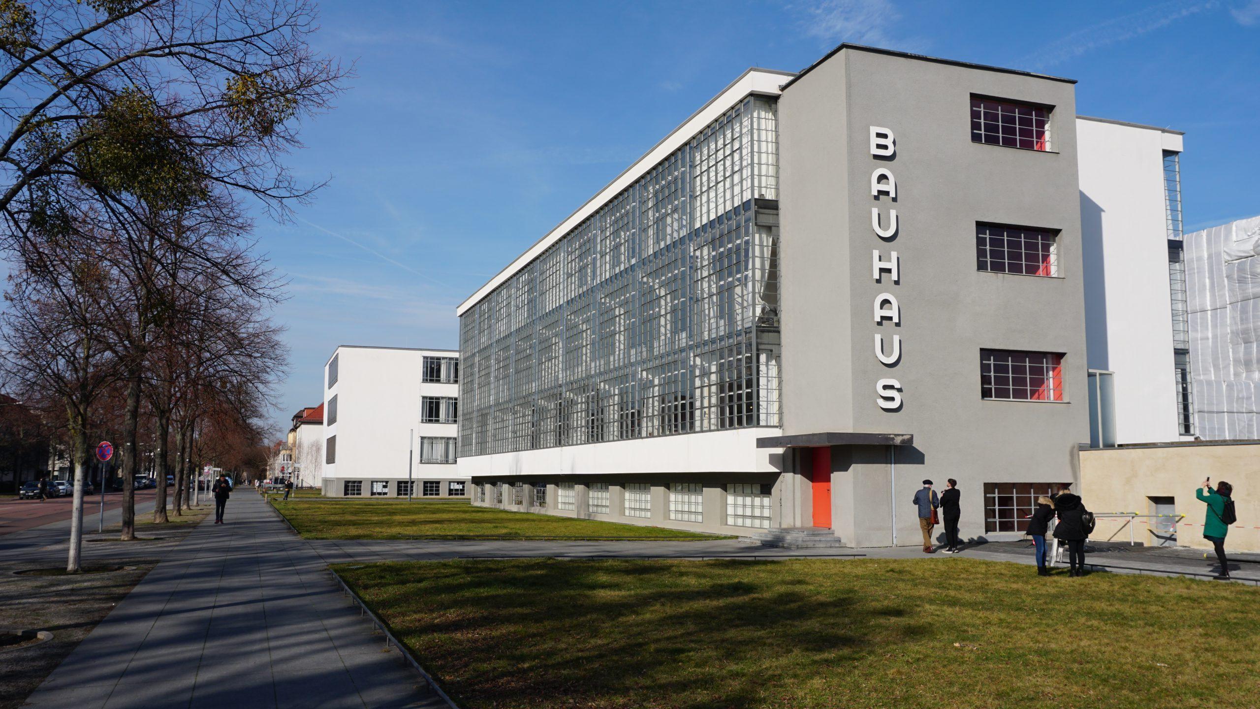 Das Bauhaus-Akademiegebäude in Dessau