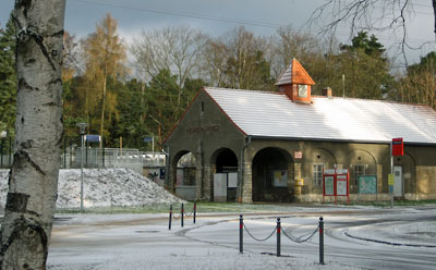 Dr. Albert-Schweitzer-Str. 5 - Bahnhof