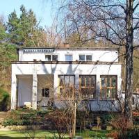 Wilhelmshorst, Haus an den Bergen