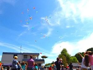 15 Luftballonstart