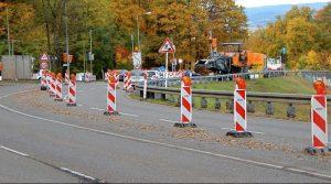 Erneuerung des Fahrbahnbelags zwischen Rhbank und Stelle