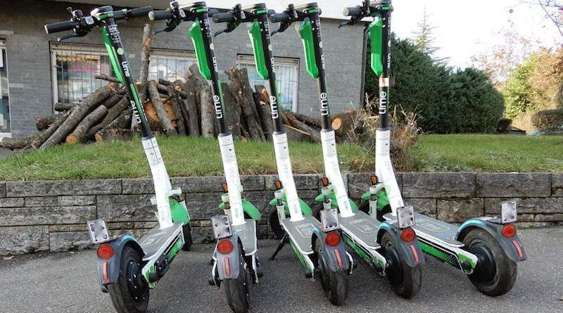 E-Roller als Stehroller stören auf Gehwegen
