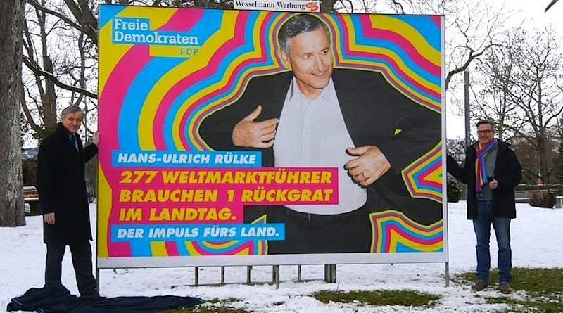 Thilo Scholpp bei Plakatenthüllung