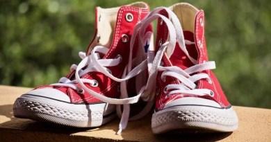 rot-weiße Schuhe