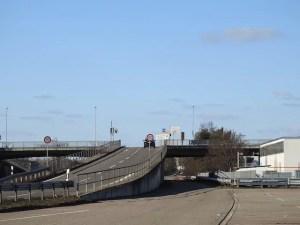 Brücke bei Esslingen-Mettingen über die B10