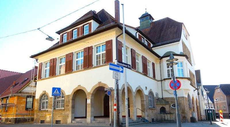Bezirksrathaus Hedelfingen Ecke Amstetter/Heumadener Straße