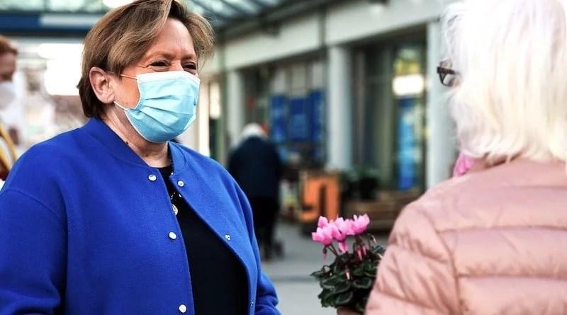 CDU-Stand beim Wochenmarkt Sillenbuch mit Susanne Eisenmann