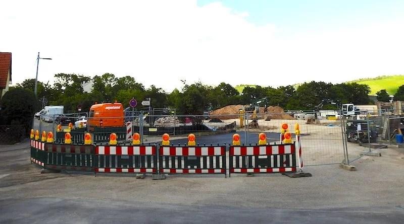 Blick von der Gingener Straße auf die Baustelle der AWS