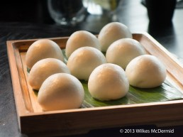Hutong - Steamed egg custard buns
