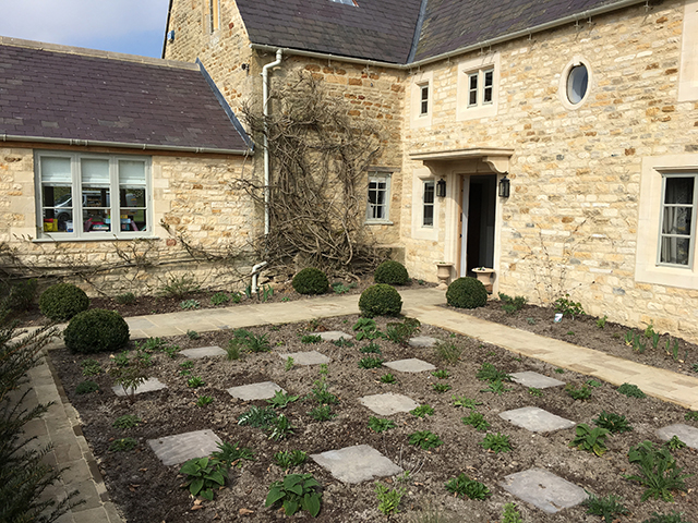 Willbee Landscaping, Gloucestershire House, paths and planting