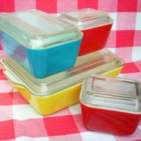 Collecting Pyrex Refrigerator Dishes